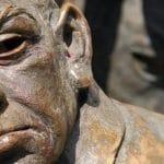 Bronzebildnis vor der Frankfurter Börse